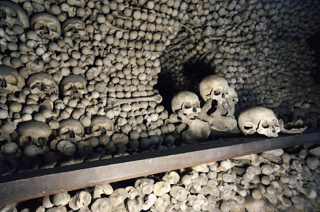 Skulls in the catacombs under Prague