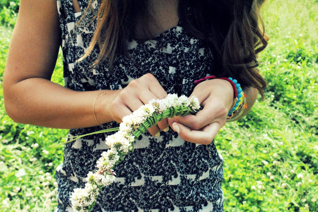 making bohemian flower crowns in summer