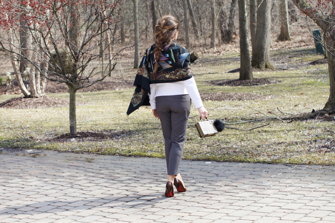 sweater-and-trousers-sunday-outfit-1