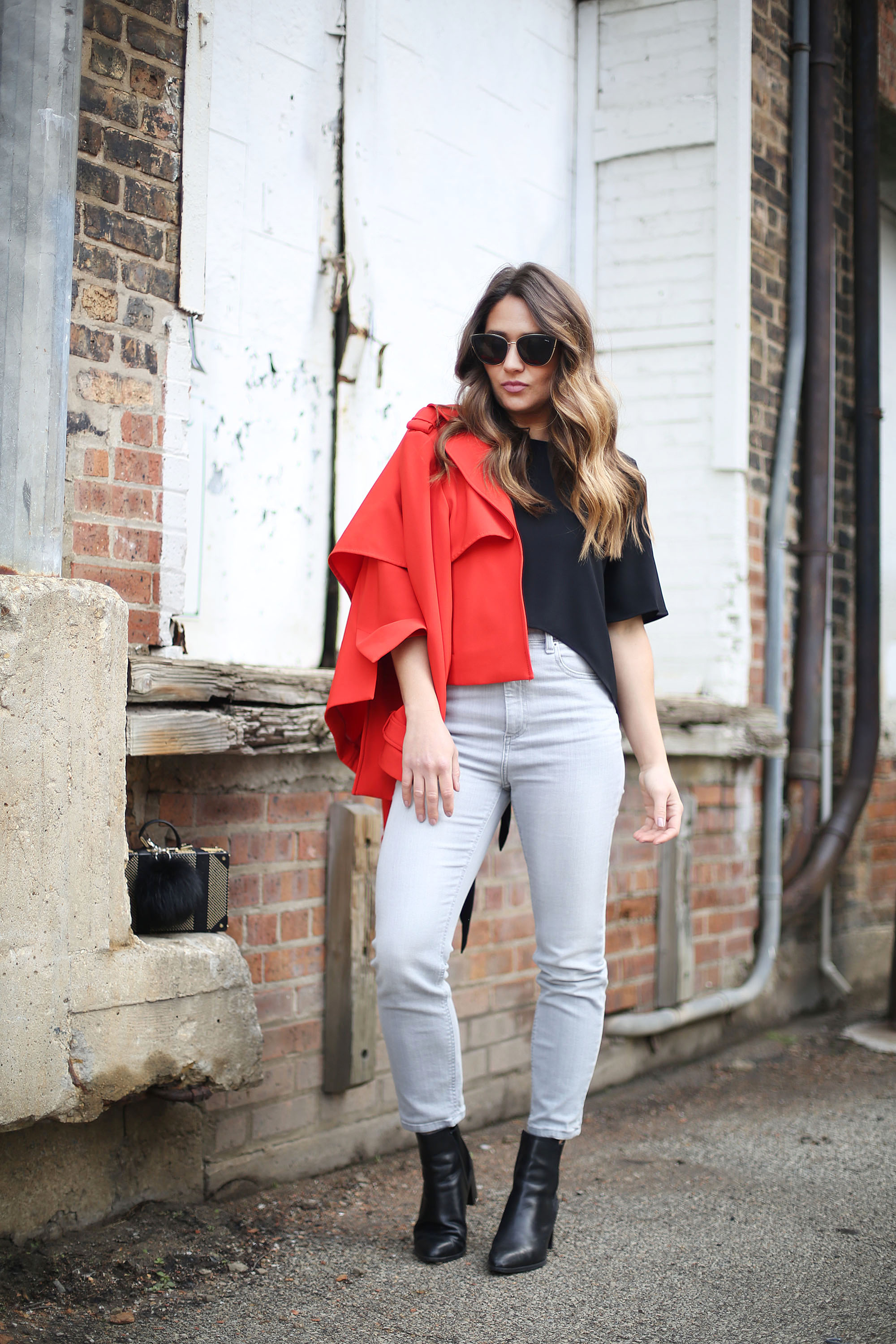 outfit-of-the-day-grey-jeans-black-top-red-blazer