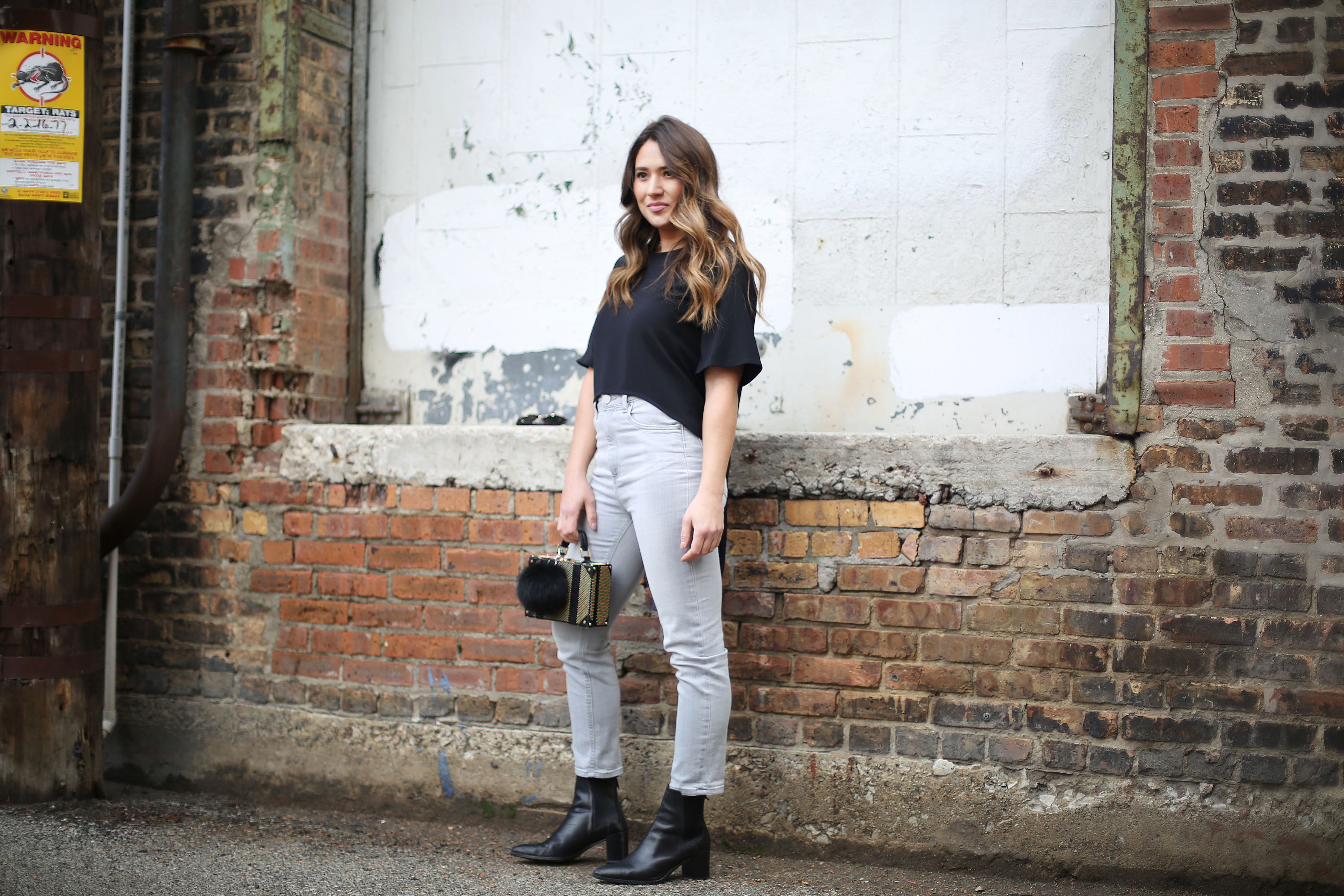 date-night-outfit-casual-chic