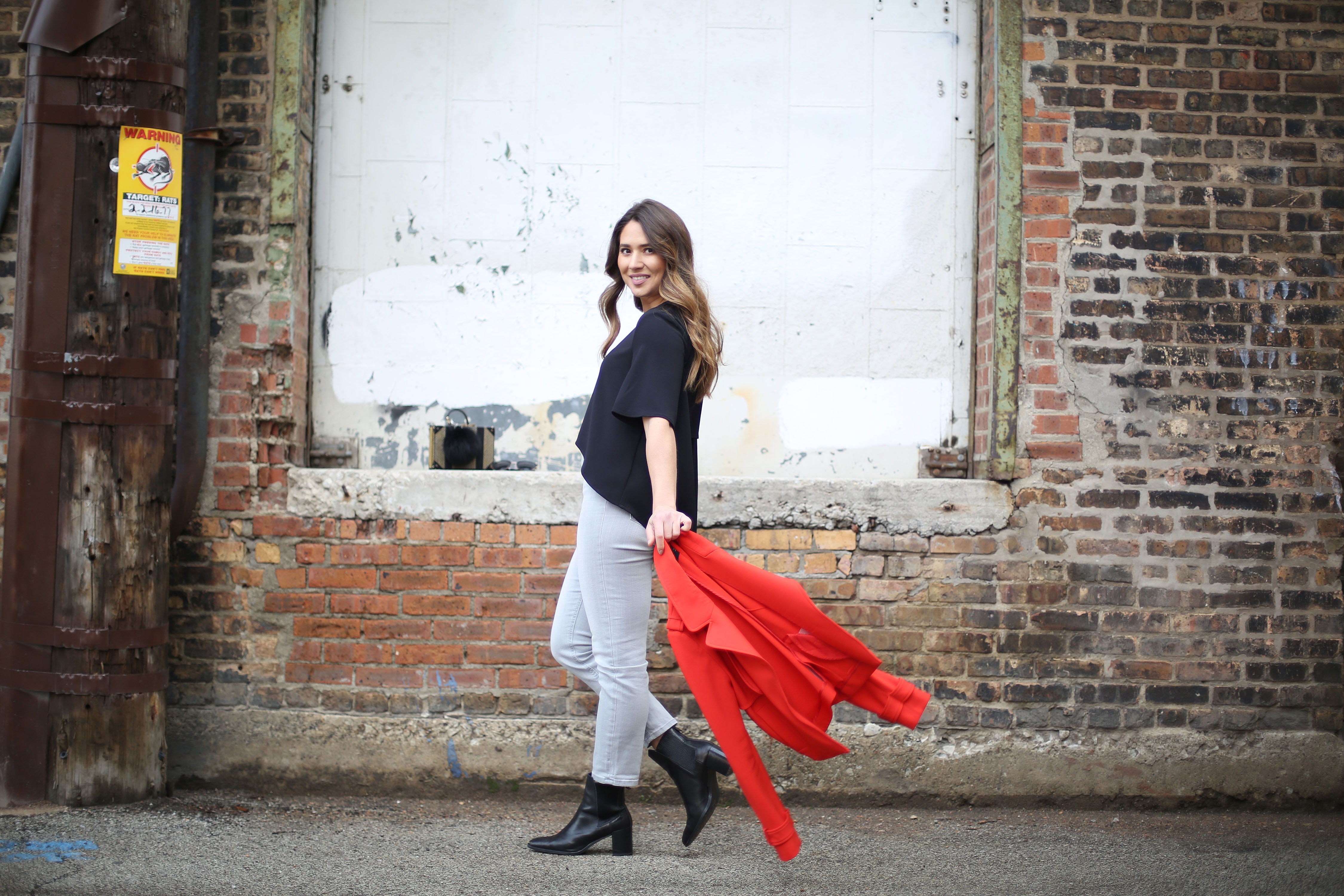 cool-girl-chic-outfit-neutral-pop-of-red