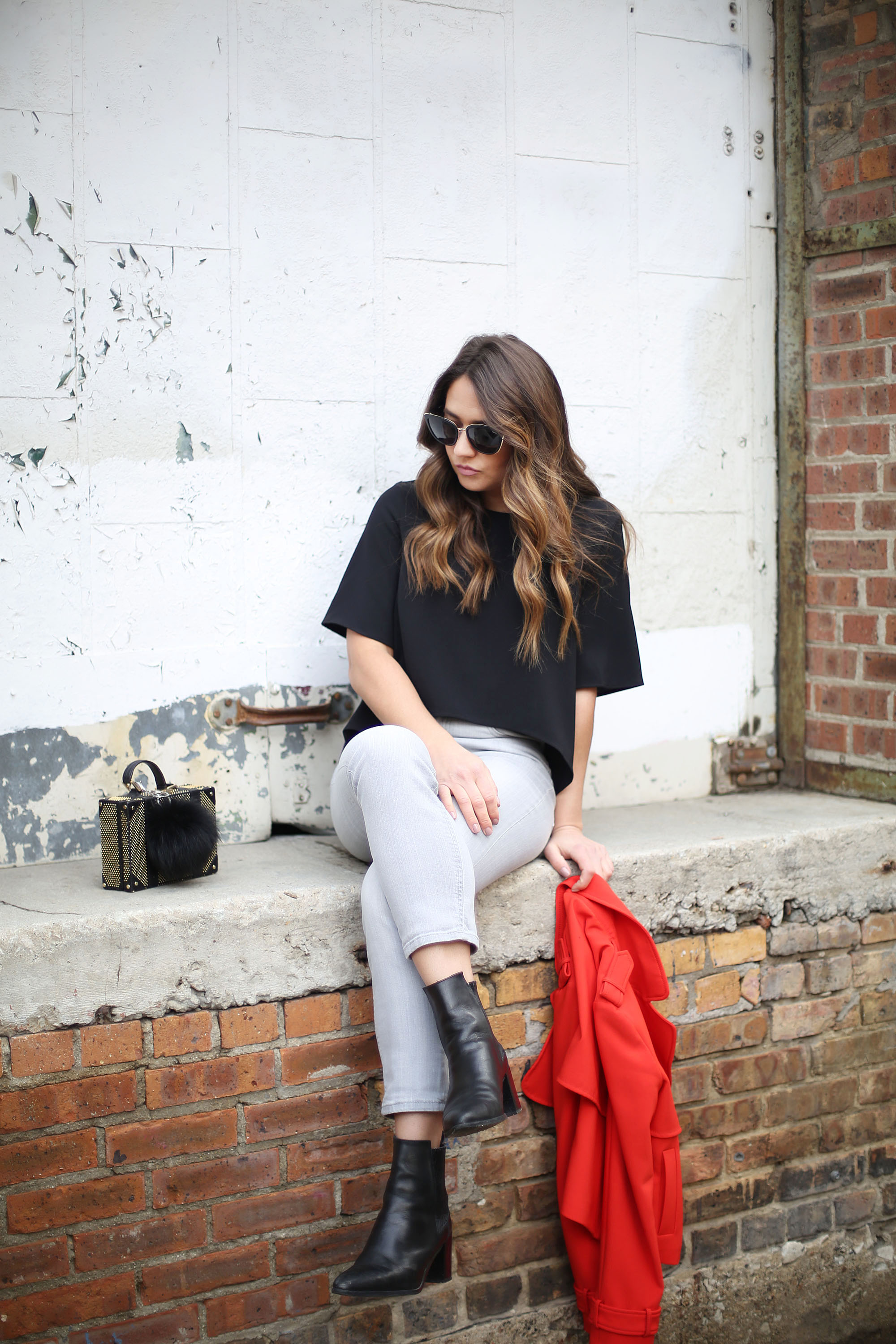 casual-outfit-jeans-top-booties
