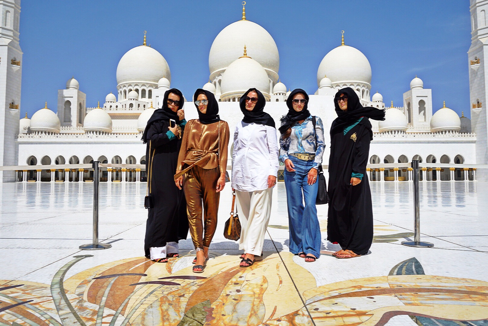 girls-outside-mosque-habibis-arabian-princesses