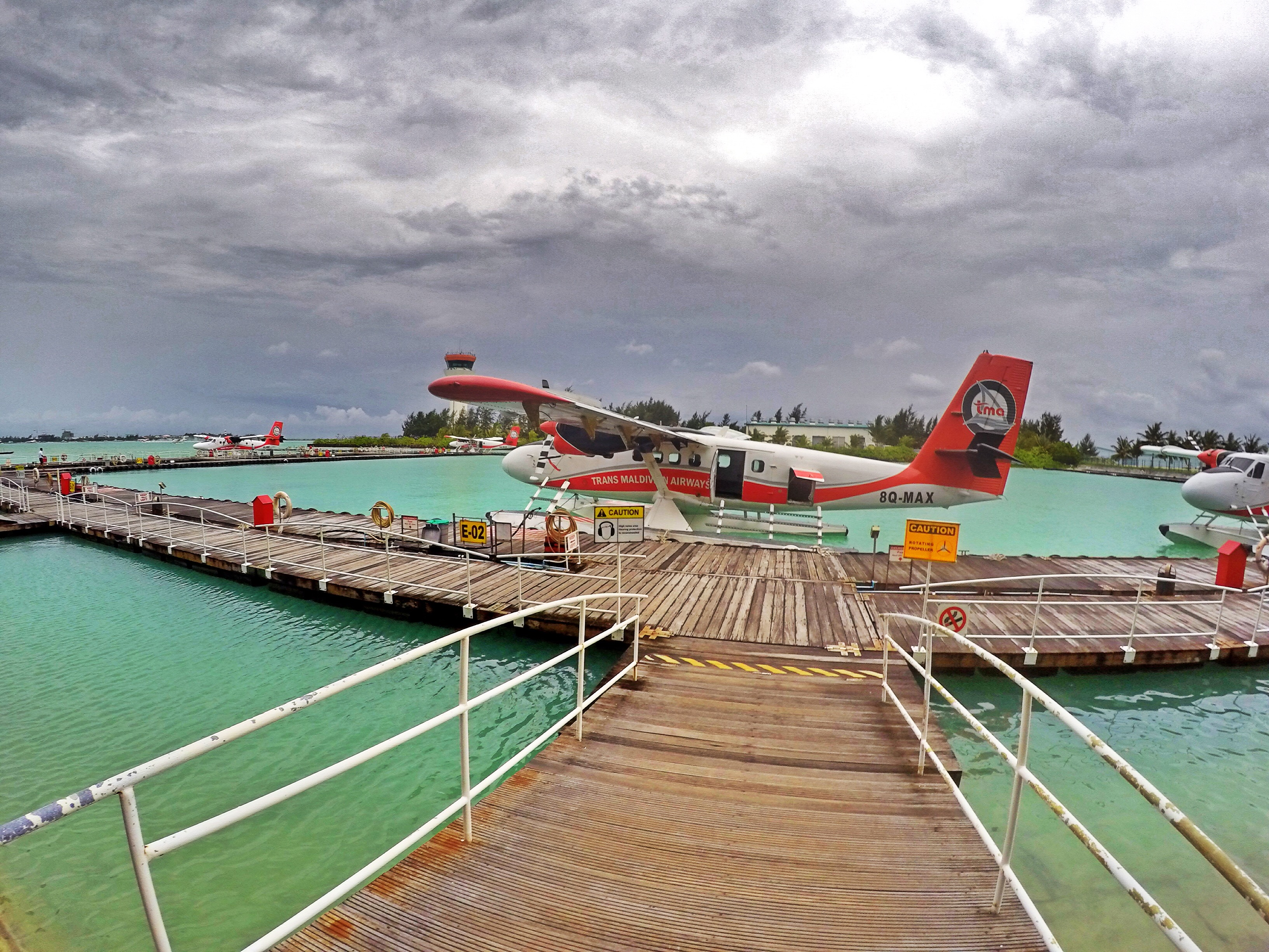 seaplane-flying-to-mirihi-island-maldives