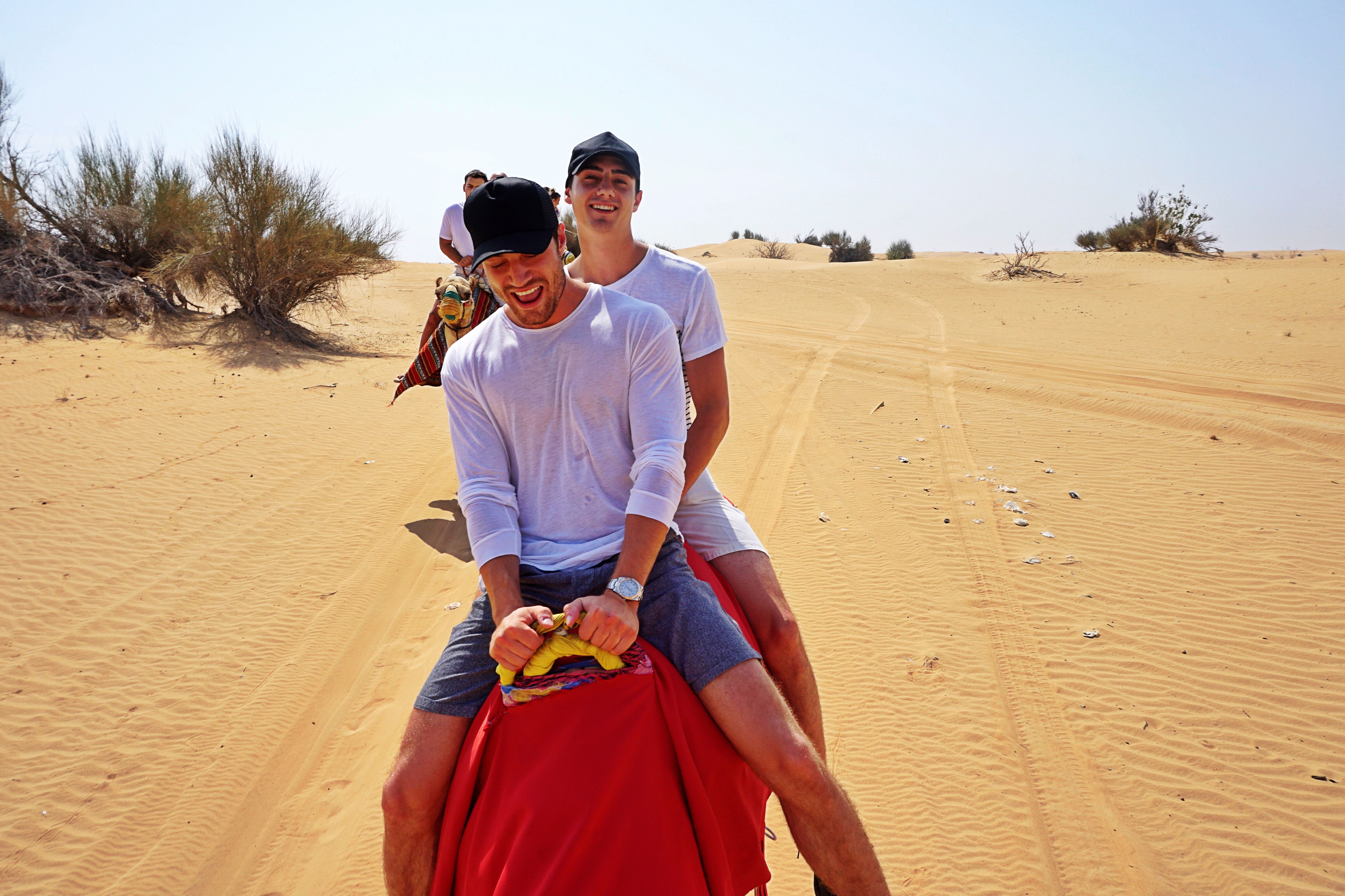 boys-on-camel