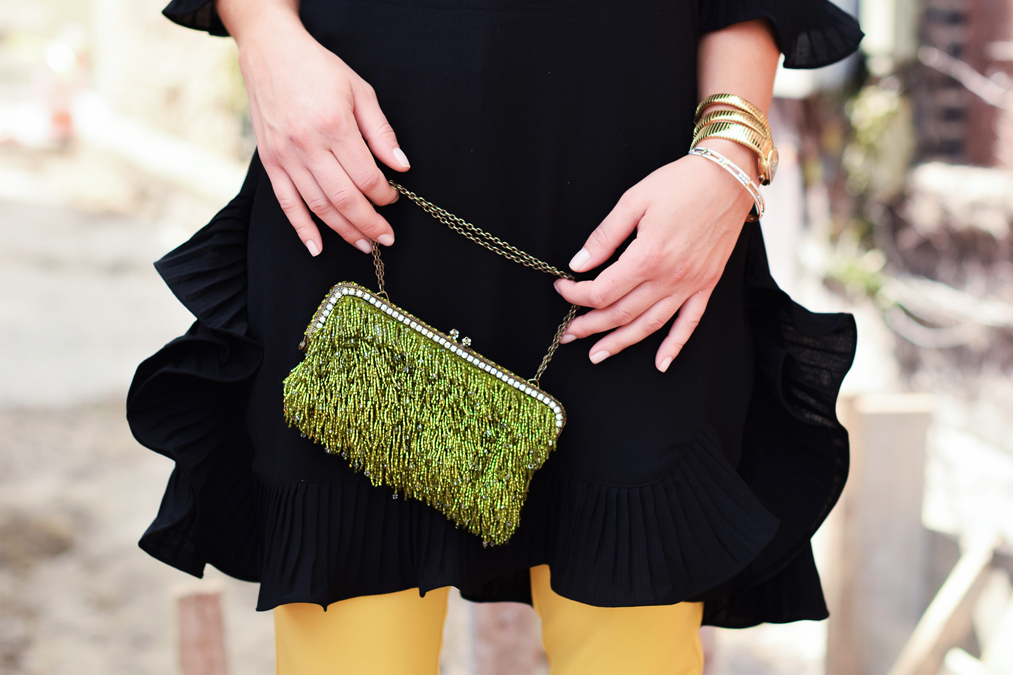 gorgeous-green-sparkle-clutch