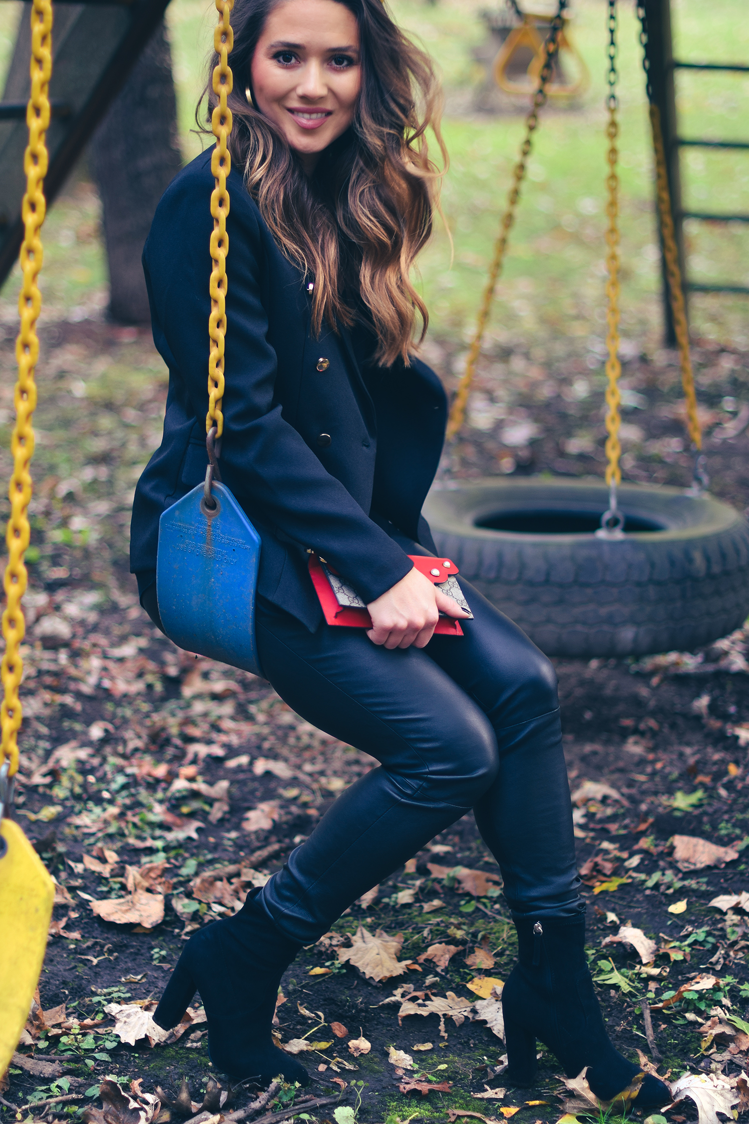 cute-outfit-girl-on-swing