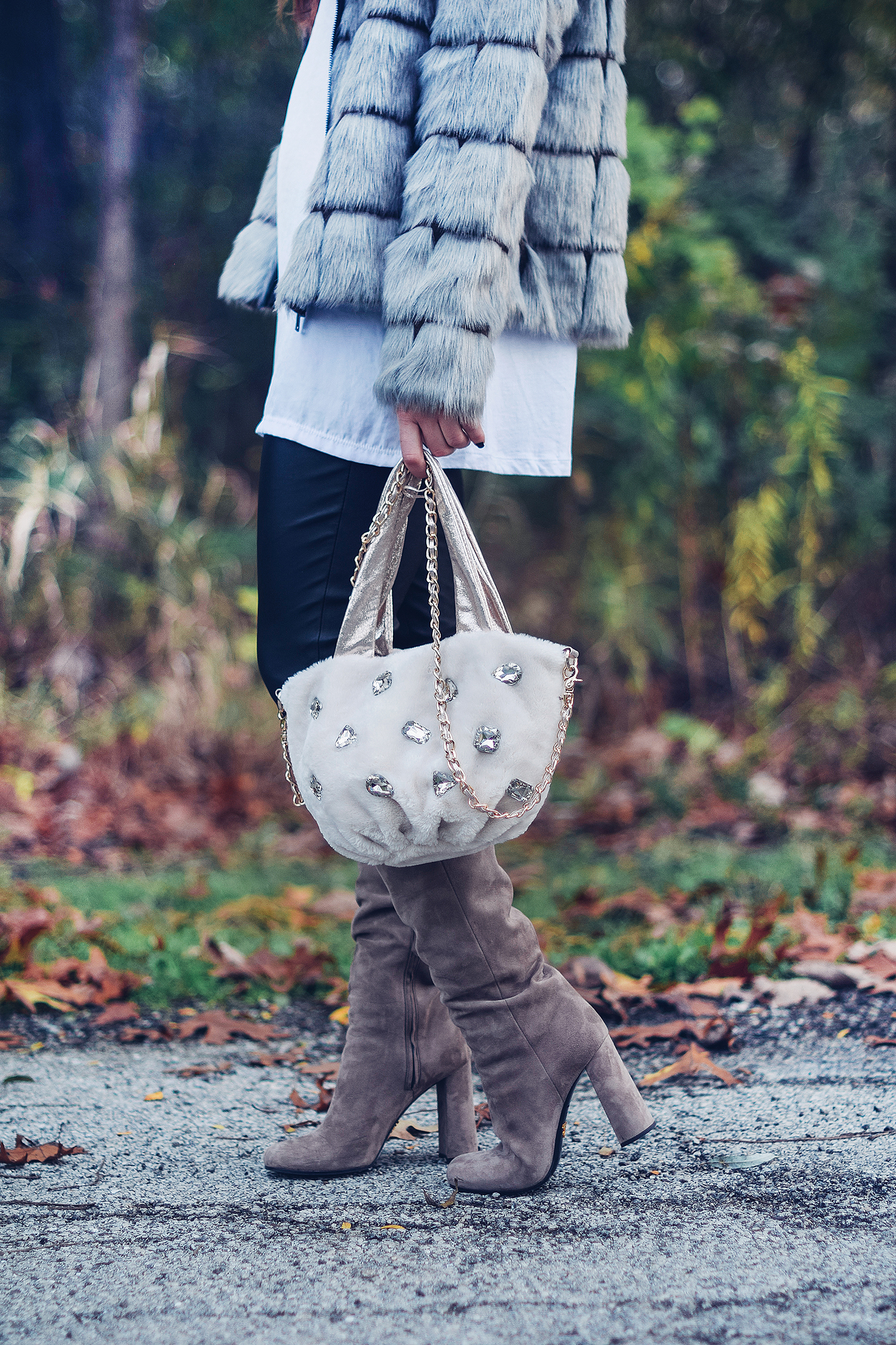 faux-fur-purse-boots-and-coat-cute-winter-accessories