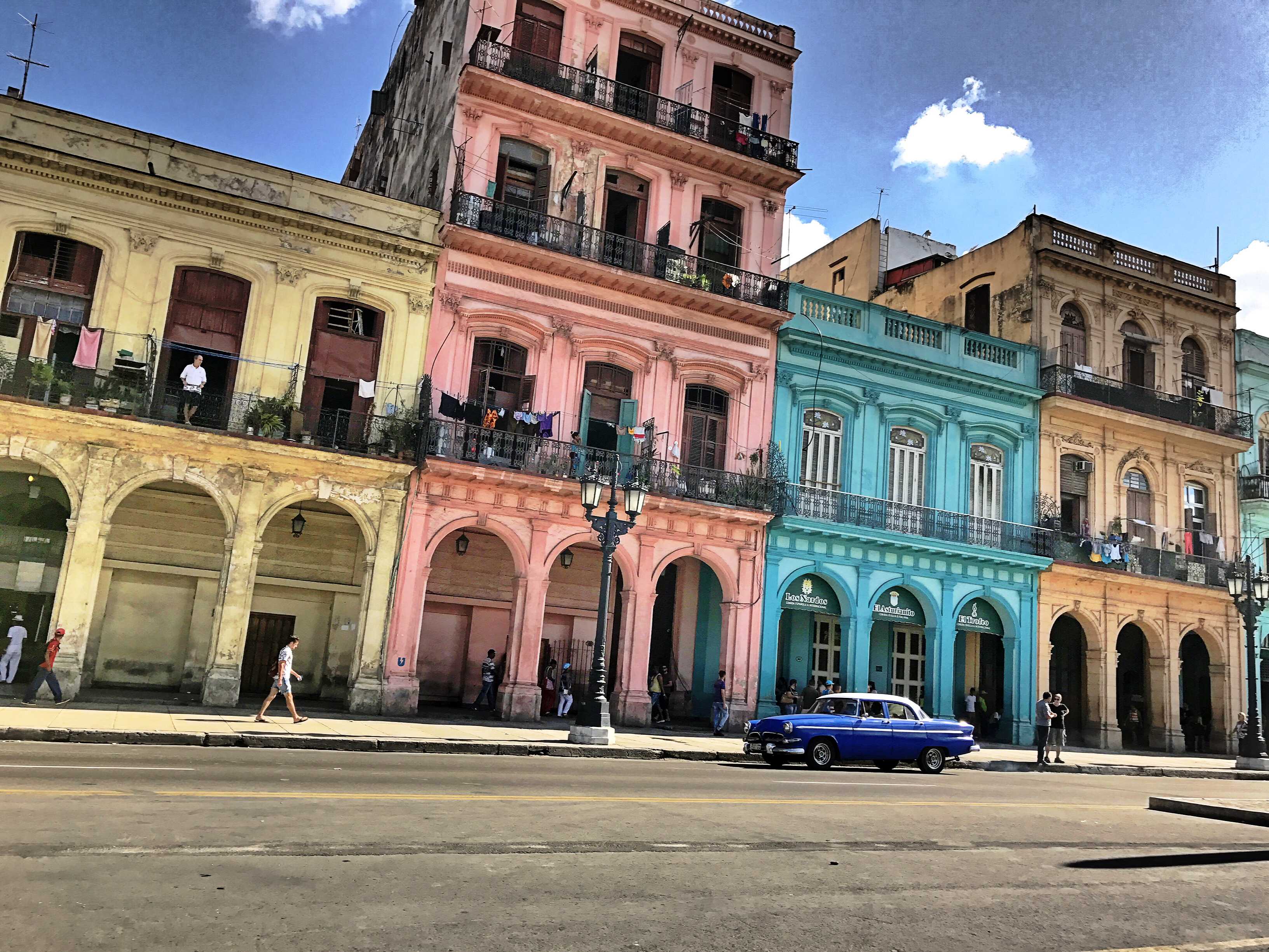main-square-cuba-colors-building