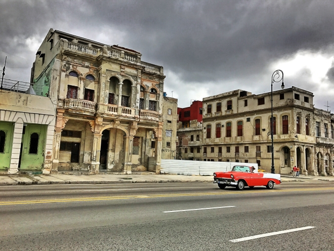 old-havana-cars-on-the-malecon