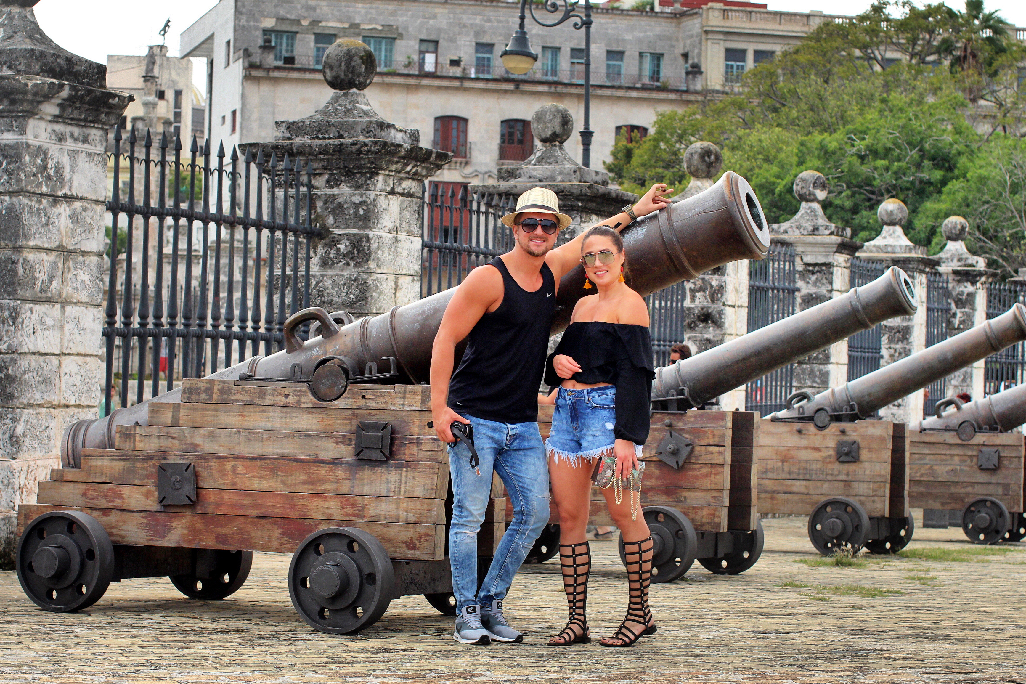 outside-museum-cannons-cuba