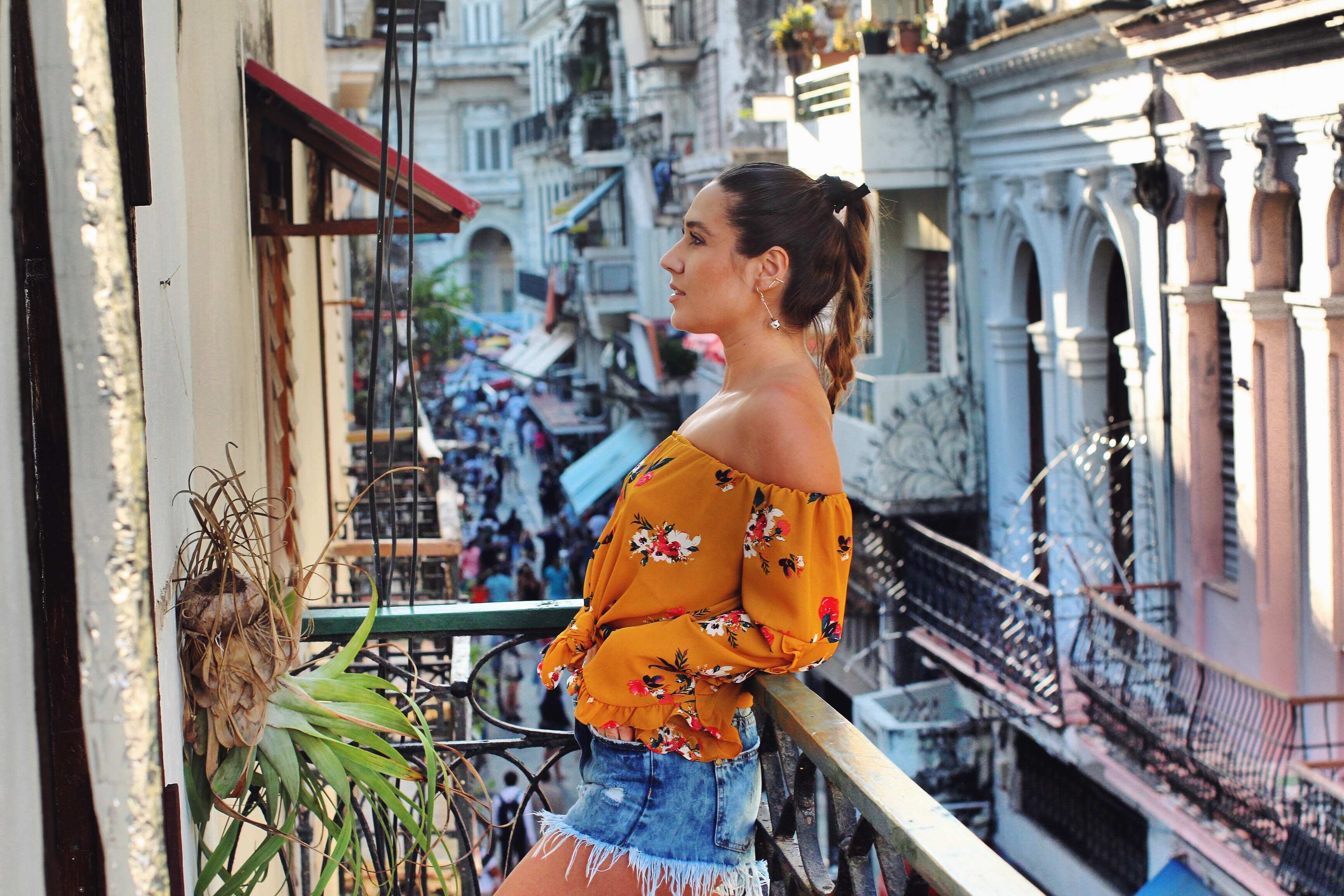 off-shoulder-top-cute-outfit-cuba