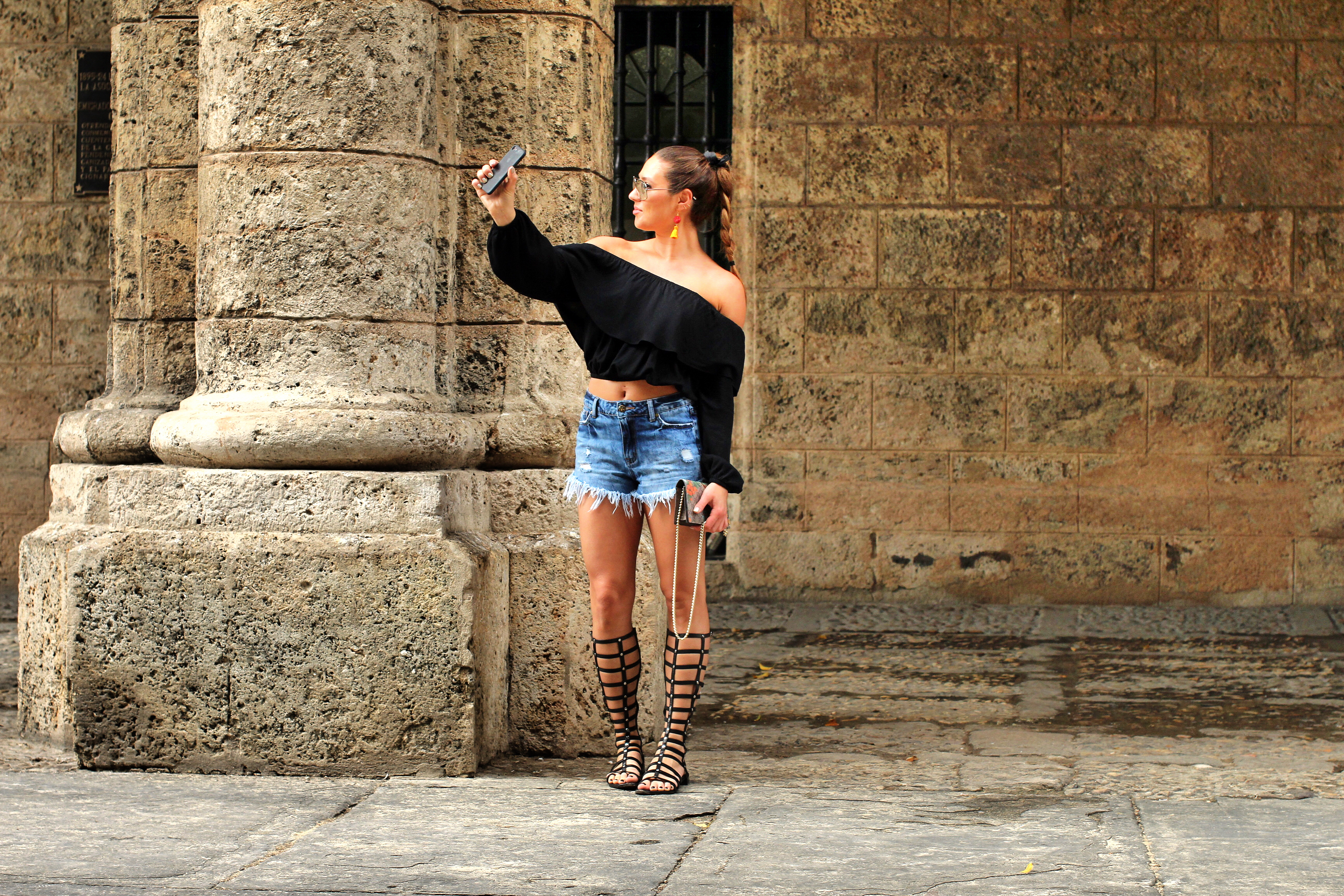 selfies-old-town-havana-braids-stuart-weitzman-one-teaspoon-tan-girl