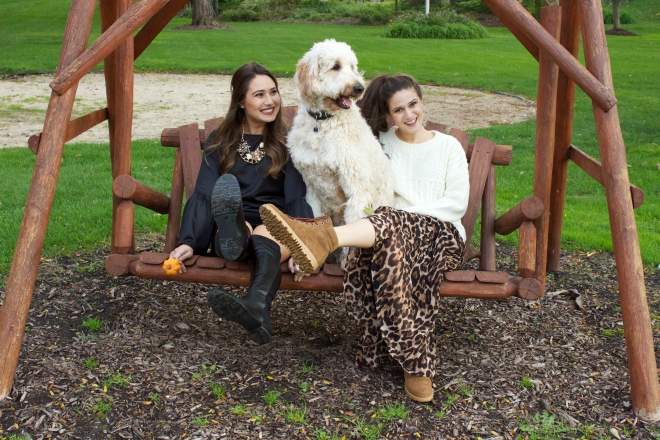 best-friends-sisters-girls-dog-cute-outfit-on-a-swing