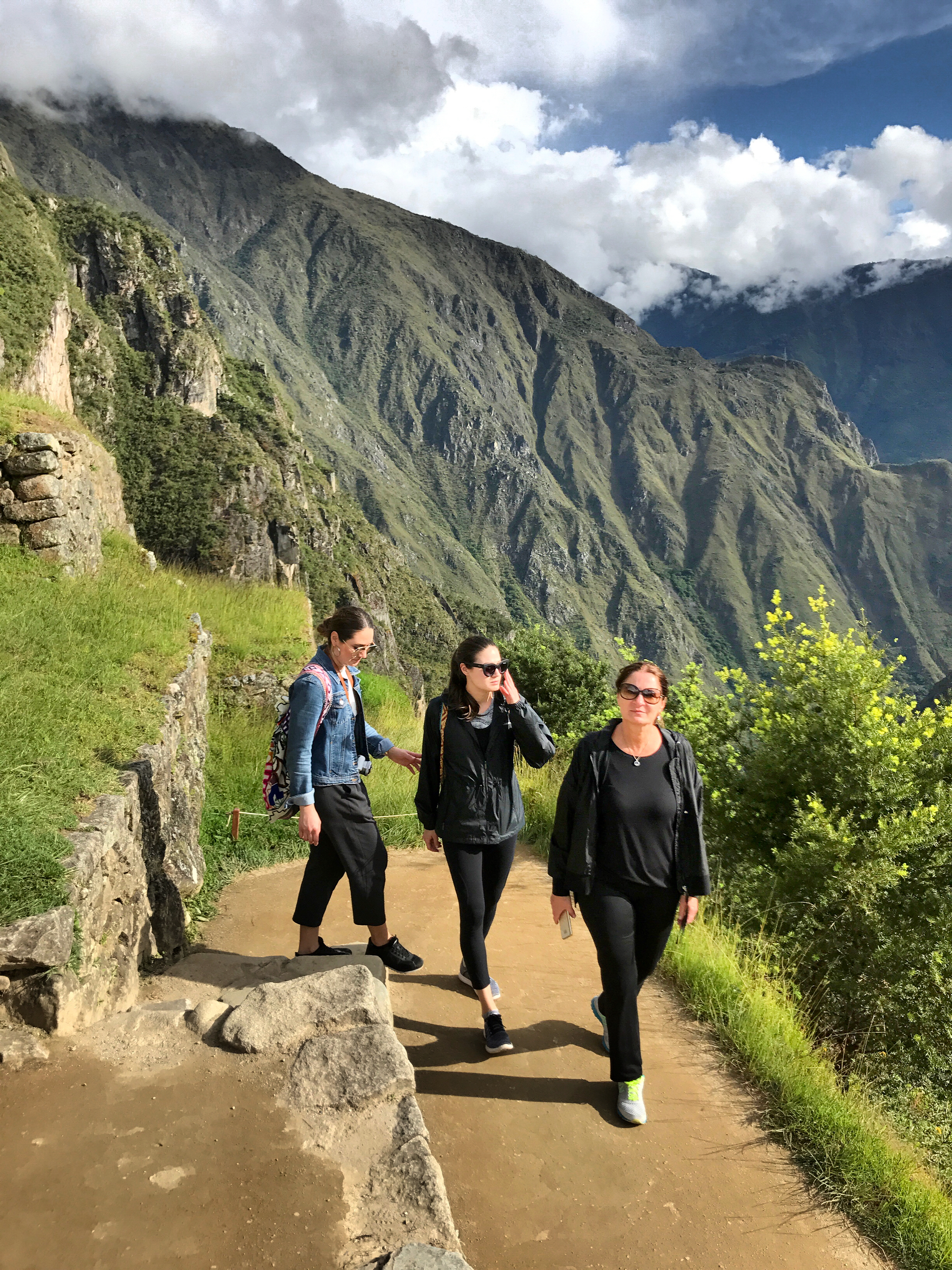 mom-sisters-walking-machu-picchu-fashion