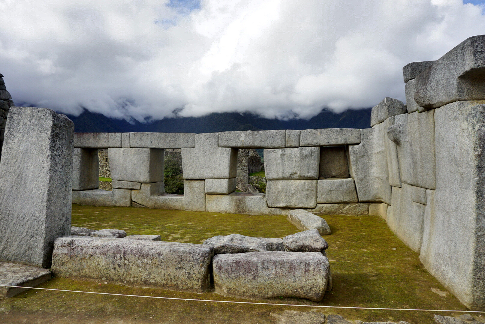 where-incas-lived-houses-machu-picchu