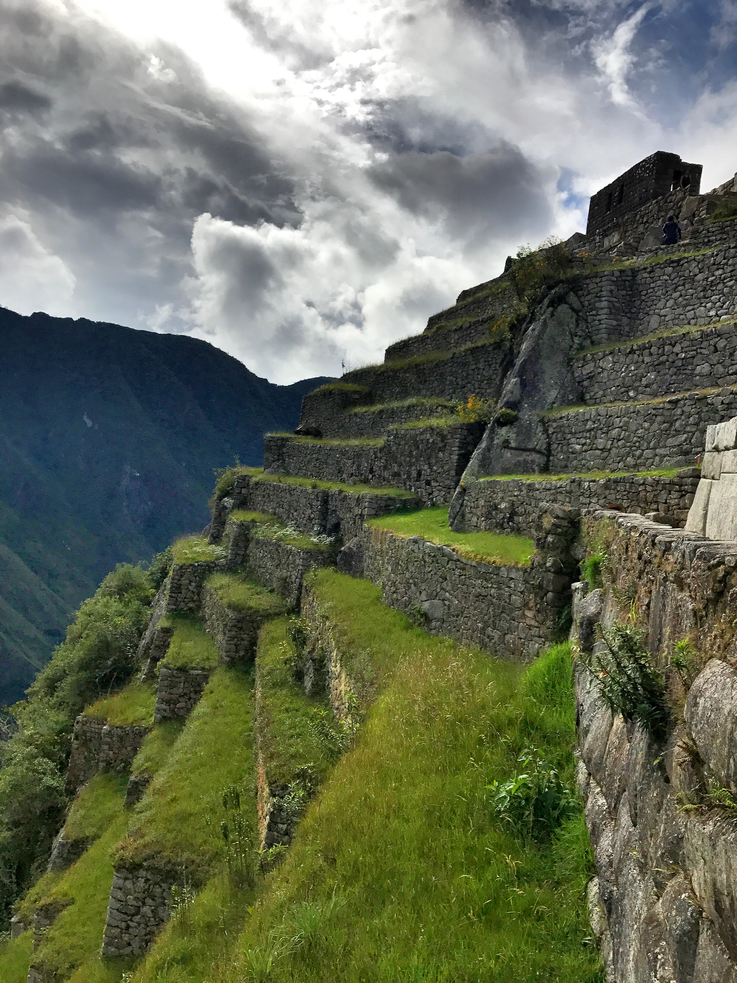 cliff-side-view-machu-picchu