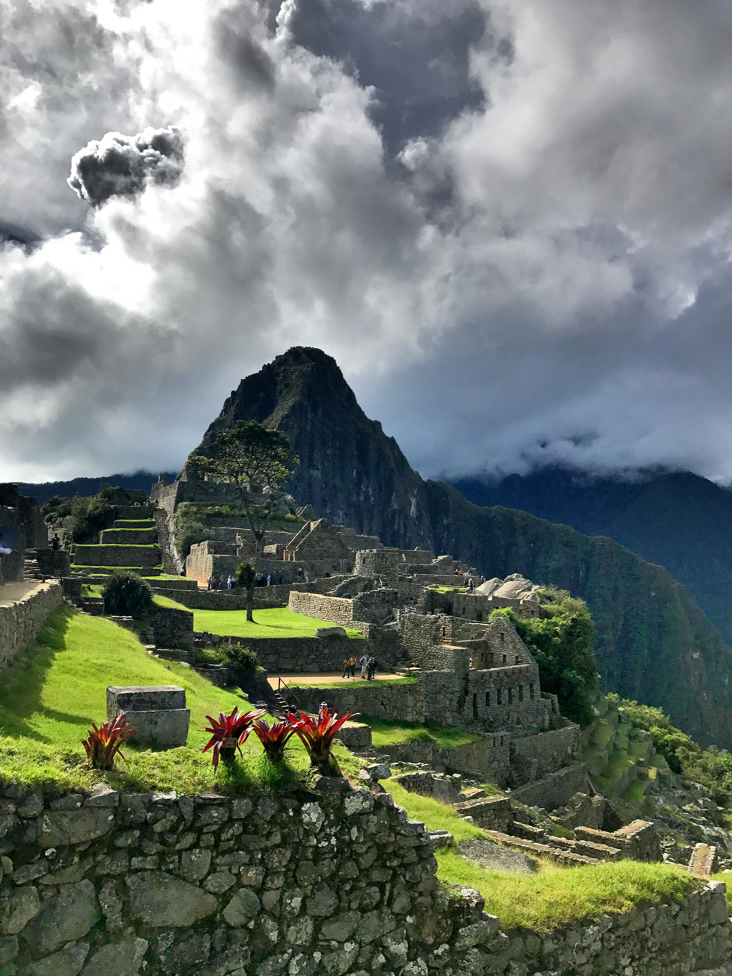 machu-picchu-colorful-beautiful
