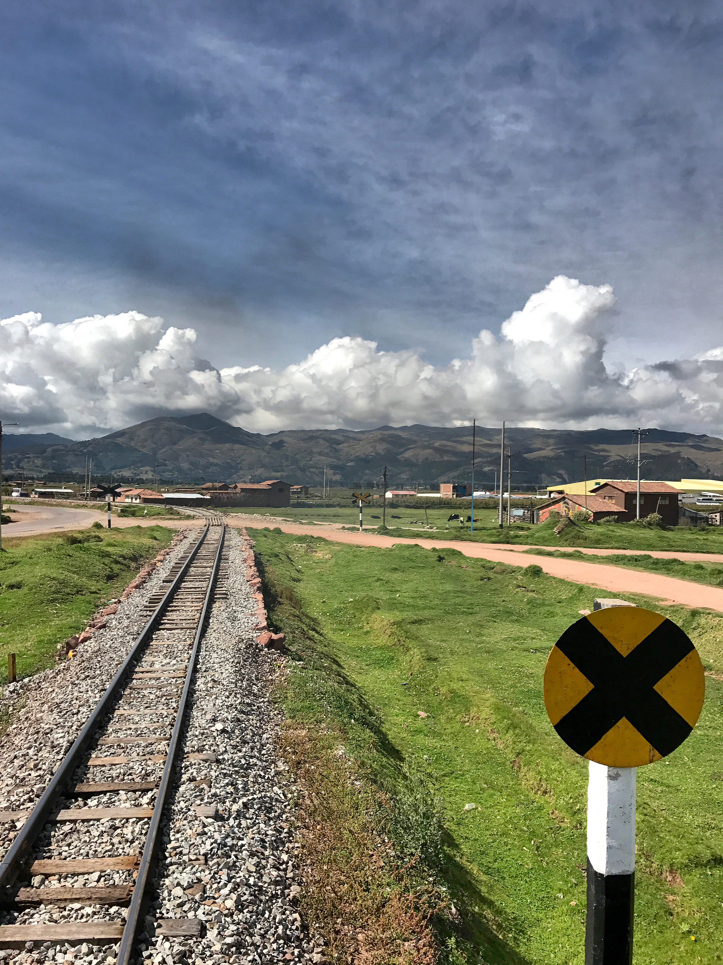 machu-picchu-country-side-views-travelling-train-ride-to-machu-picchu