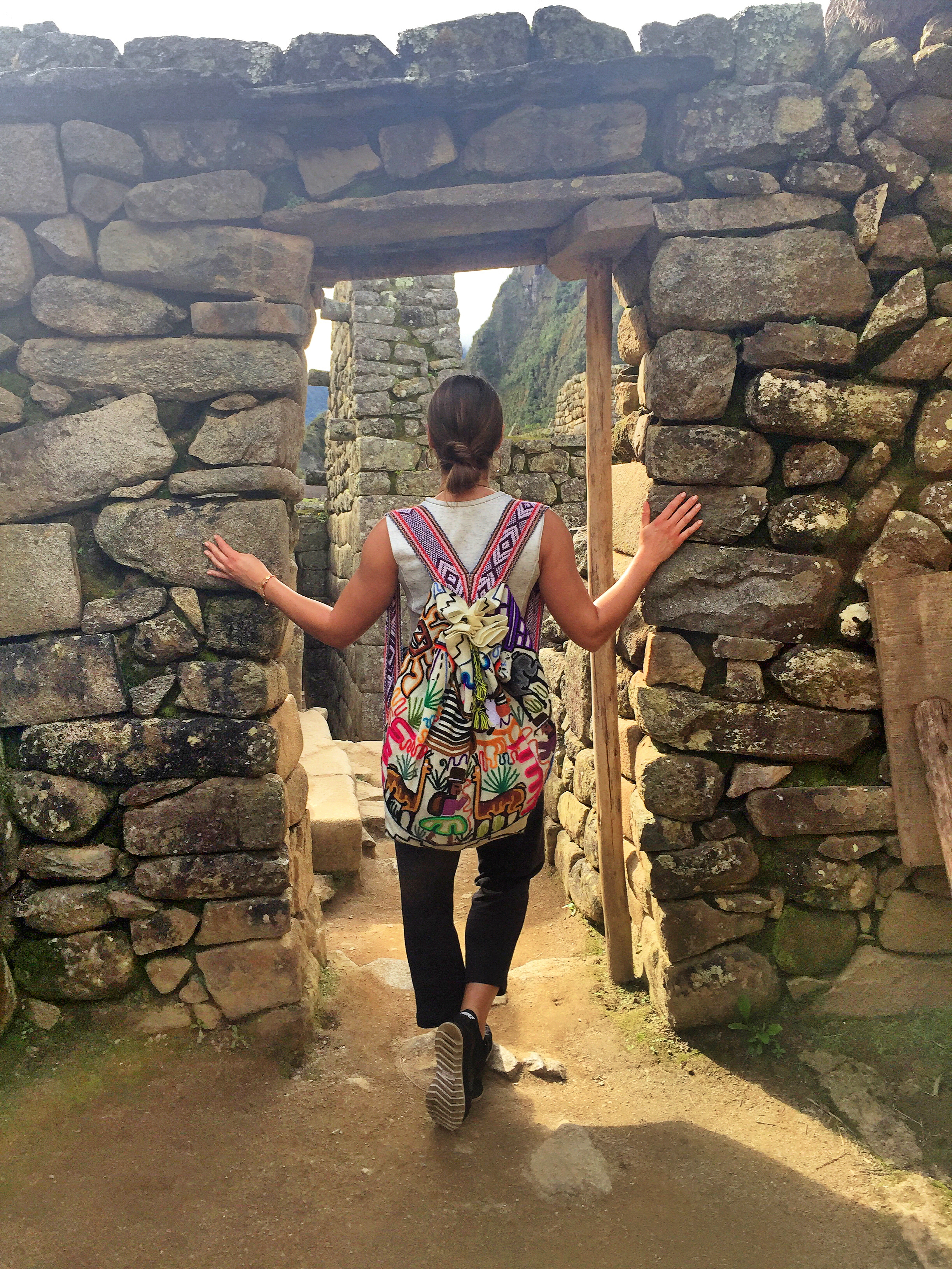 what-to-wear-in-machu-picchu-fashion-style-girl